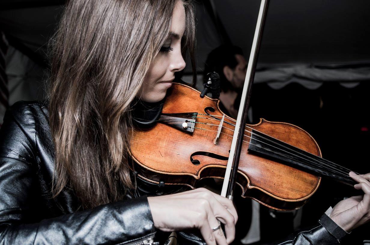 Vilinistin Beatrix Löw-Beer an der Violine